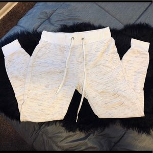NWOT distressed marled joggers with pockets!